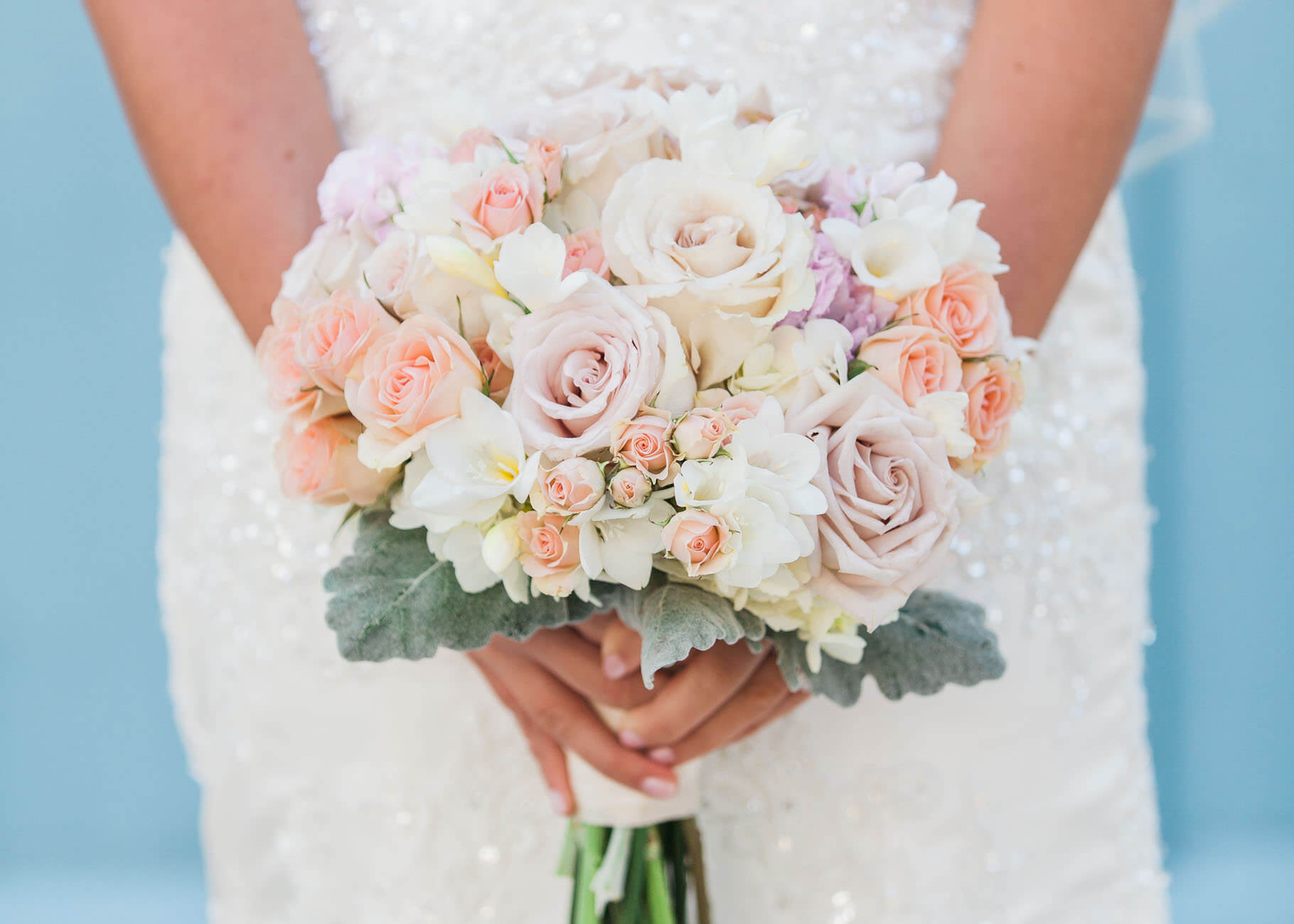romantic pastel bouquet columbus wedding photographer forget me knot photography