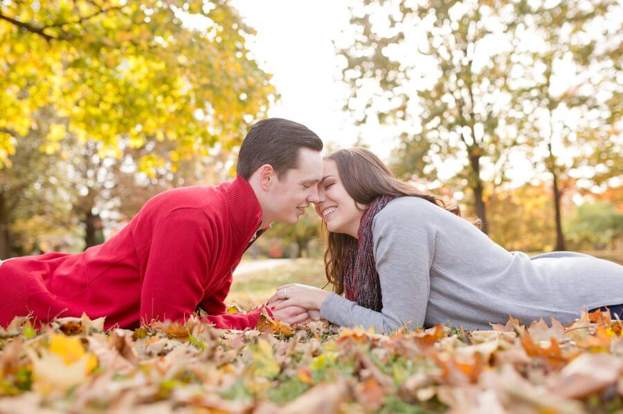 engagement photo of couple in columbus ohio
