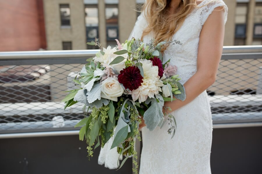 bride holding bouquet at downtown columbus renaissance