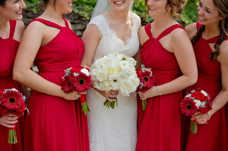 The Blackwell Columbus OH bride and bridesmaids flowers