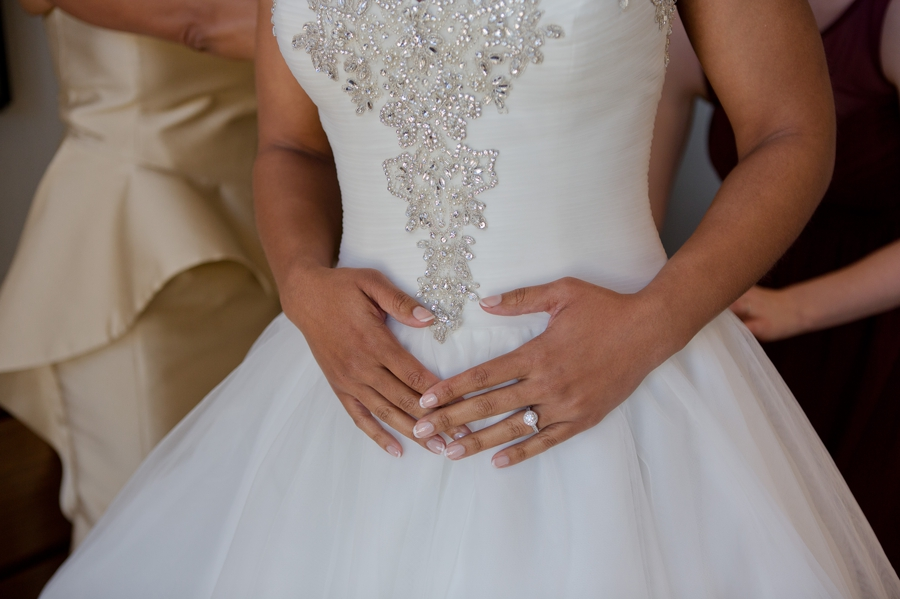 beautiful nails on bride