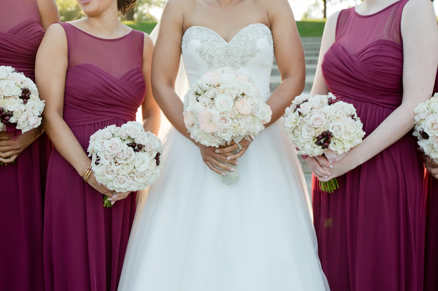 bride and bridesmaids rose bouquets