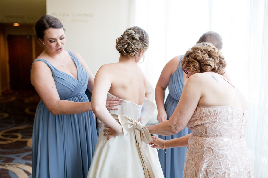 buttoning bridal gown at ohio statehouse
