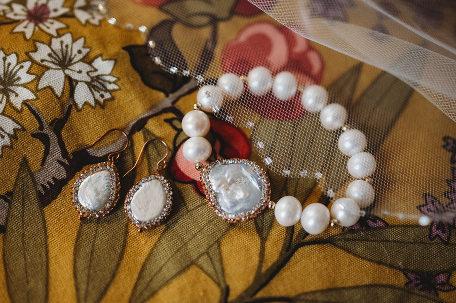brides wedding jewelry at grange insurance audubon center wedding