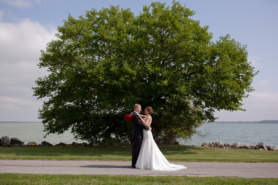 couple in front of big tree in celina ohio