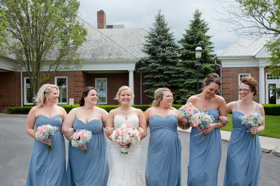laughing bridesmaids at wedgewood golf and country club