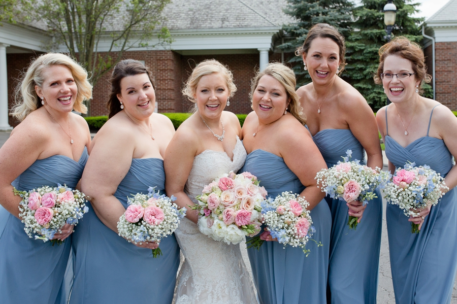 bridesmaids with bride at wedgewood country club