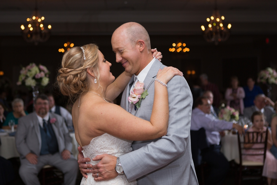 bride and groom first dance at wedgewood country club
