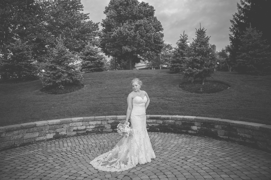 wide black and white photo of bride wedgewood country club wedding
