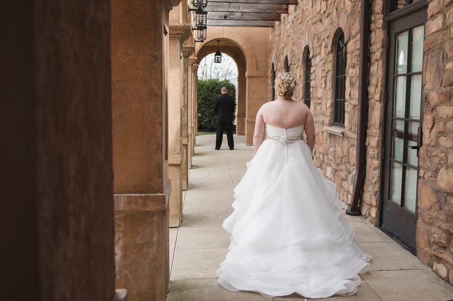 bride walking to first look at club at corazon